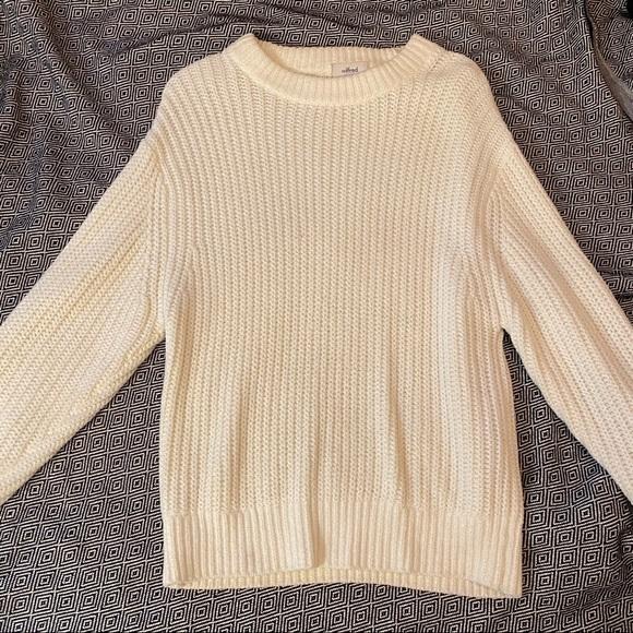 Aritzia Knit Sweater Cream/White